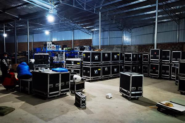 2000平方舞美设备仓库,各种设备配套齐全,能支撑大型演出、多个分会场等活动的需求。